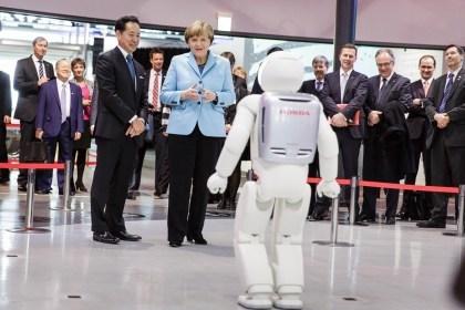 Angela Merkel trifft Asimo