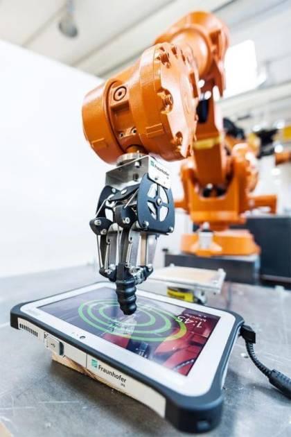 Test-Roboter von Fraunhofer