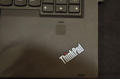 Lenovo ThinkPad X1 Carbon Yoga