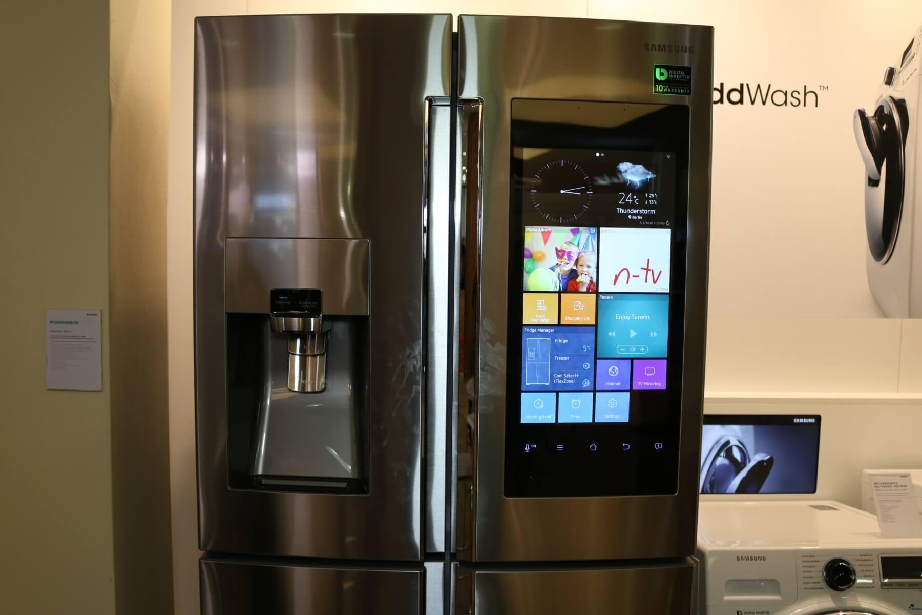 Amerikanischer Kühlschrank Eintürig : Ausgescherzt quadcore kühlschrank mit full hd display kommt zu uns