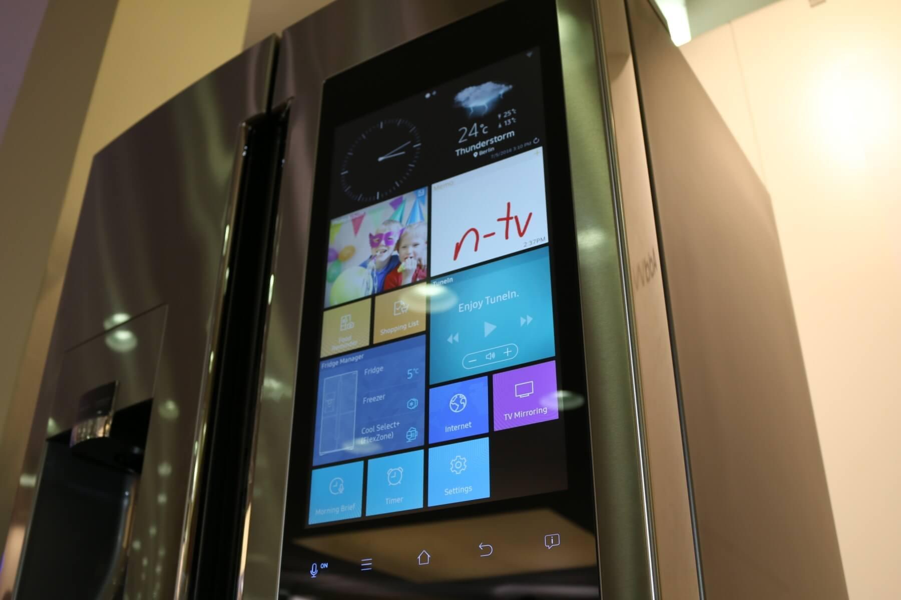 Side By Side Kühlschrank Mit Bildschirm : Ausgescherzt: quadcore kühlschrank mit full hd display kommt zu uns