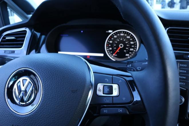 IAV Automotive: Cortana & Continuum im Armaturenbrett