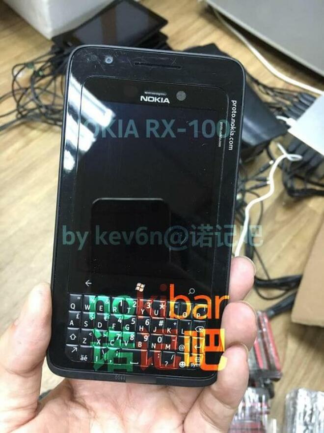 Nokia RX-100 Windows Phone mit Tastatur