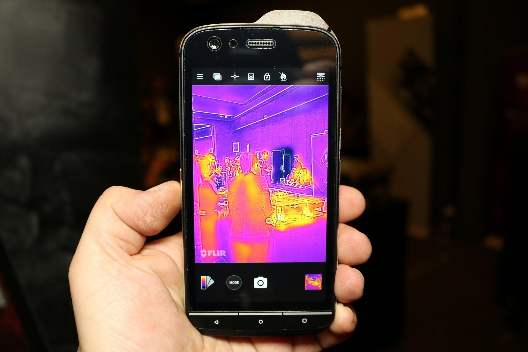 Entfernungsmessung Mit Handy : Cat s smartphone wärmekamera laserentfernungsmessung mehr