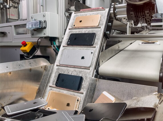 "Apple iPhone Recycling-Roboter ""Daisy"""