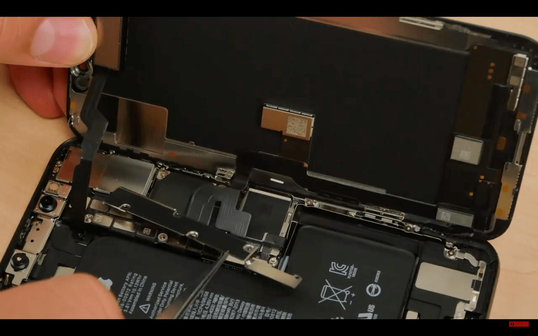 Apple iPhone Xs: Teardown
