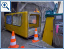 Die letzte gelbe Telefonzelle wird abgebaut