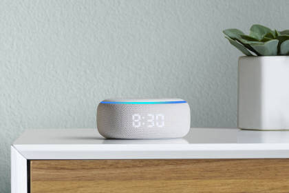 Amazon Echo Dot mit Uhr