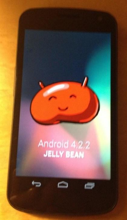 Angebliche Aufnahme von Android 4.2.2