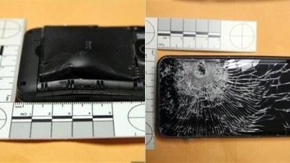 HTC Evo 3D hält Kugel auf