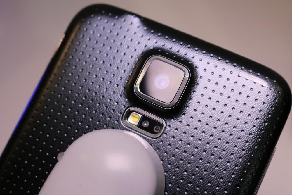 Samsung: Darum ist Kunststoff besser als Metall - WinFuture.de